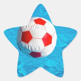 Adesivo Estrela Bola de praia que flutua na piscina azul