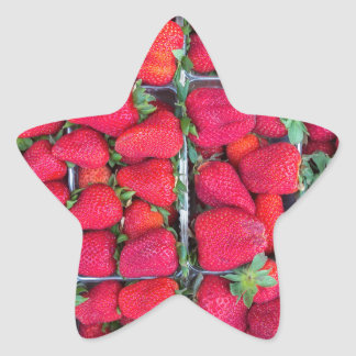 Adesivo Estrela Caixas enchidas com as morangos vermelhas