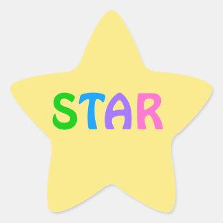 Adesivo Estrela ESTRELA na rotulação colorida no fundo amarelo