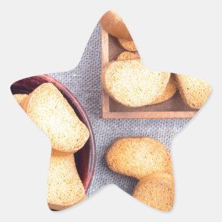 Adesivo Estrela Ideia superior das partes de pão secado