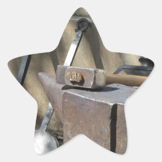 Adesivo Estrela Martelo do ferreiro que descansa no batente