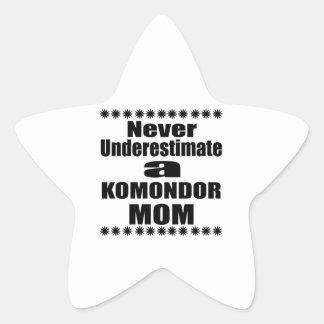 Adesivo Estrela Nunca subestime a mamã de KOMONDOR