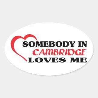 Adesivo Oval Alguém em Cambridge ama-me