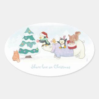 Adesivo Oval Animais bonitos do Natal que decoram uma árvore