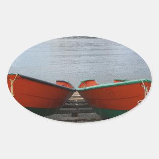 Adesivo Oval Barcos bonito de Terra Nova