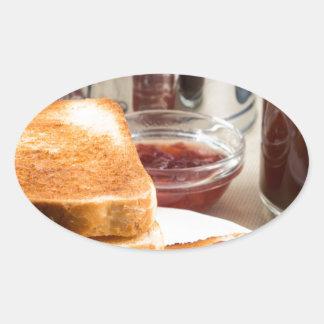Adesivo Oval Brinde fritado com doce de morango