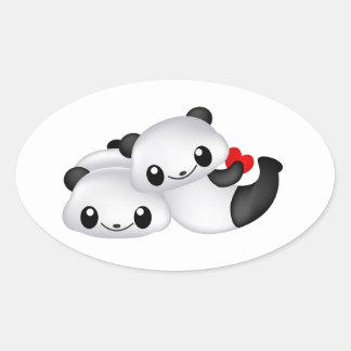 Adesivo Oval Casal bonito da panda