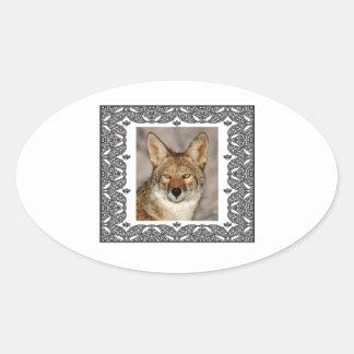 Adesivo Oval chacal em um quadro