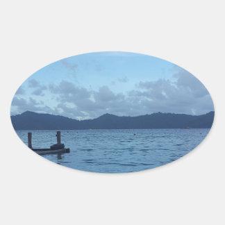 Adesivo Oval Doca do barco da ilha