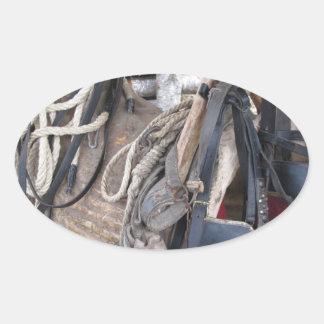 Adesivo Oval Freios e bocados de couro gastos do cavalo
