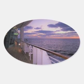 Adesivo Oval Manhã a bordo
