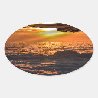 Adesivo Oval Manobra do por do sol do bombardeiro de Vulcan