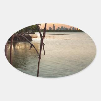 Adesivo Oval Miami e manguezais no por do sol