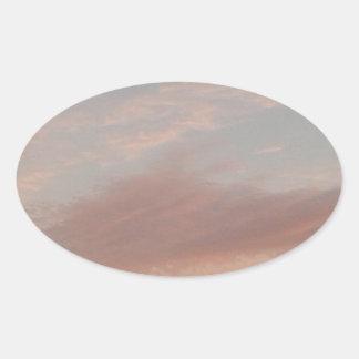 Adesivo Oval Nuvens estranhas 2