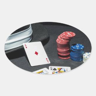 Adesivo Oval O póquer carda o chapéu do gângster