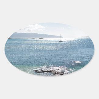 Adesivo Oval panorama da baía do waimea