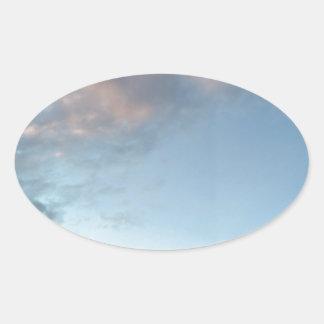 Adesivo Oval Paz no meio de uma tempestade