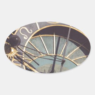 Adesivo Oval Pulso de disparo astronômico de Praga