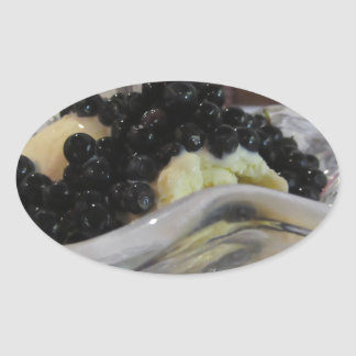 Adesivo Oval Sorvete da baunilha com uvas-do-monte silvestres
