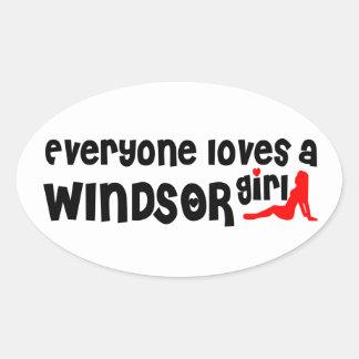 Adesivo Oval Todos ama uma menina de Windsor