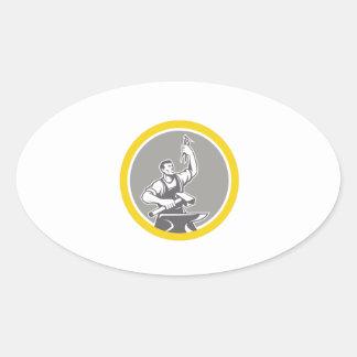 Adesivo Oval Trabalhador do ferreiro que guardara o círculo