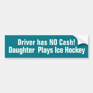 Adesivo Para Carro Engraçada, a filha joga o autocolante no vidro