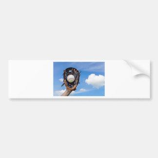 Adesivo Para Carro Entregue guardarar o basebol na luva com céu azul