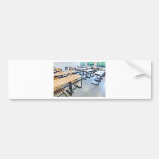 Adesivo Para Carro Fileiras das mesas e das cadeiras na sala de aula