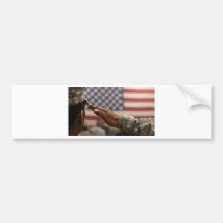 Adesivo Para Carro O soldado sauda a bandeira dos Estados Unidos
