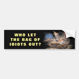 Adesivo Para Carro Quem deixou o saco dos idiota para fora? CAT Meme