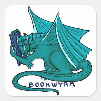 Adesivo Quadrado Abraço Bookwyrm do livro