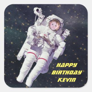 Adesivo Quadrado Adicione o aniversário do astronauta da foto da