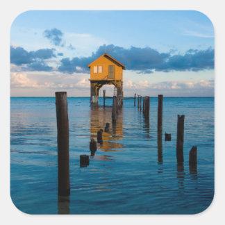 Adesivo Quadrado Casa no oceano no Ambergris Caye Belize
