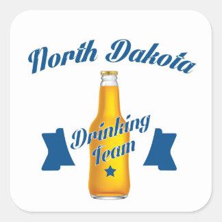 Adesivo Quadrado Equipe do bebendo de North Dakota