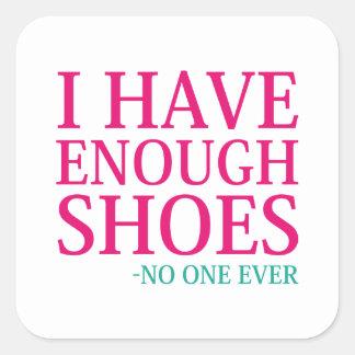 Adesivo Quadrado Eu tenho bastante calçados