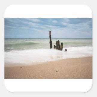 Adesivo Quadrado Groynes na costa do mar Báltico