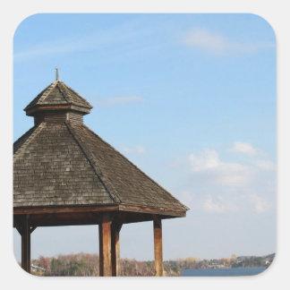 Adesivo Quadrado Miradouro sobre o lago