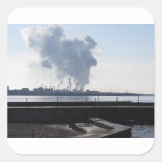 Adesivo Quadrado Paisagem industrial ao longo da costa