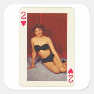 Adesivo Quadrado Pin do vintage acima do cartão de jogo dois da