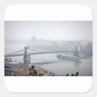 Adesivo Quadrado Ponte de Budapest sobre a imagem de Danube River