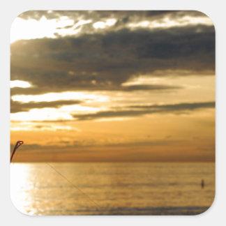 Adesivo Quadrado por do sol pacífico dourado