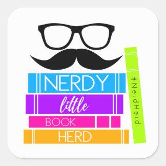 Adesivo Quadrado Rebanho pequeno Nerdy do livro