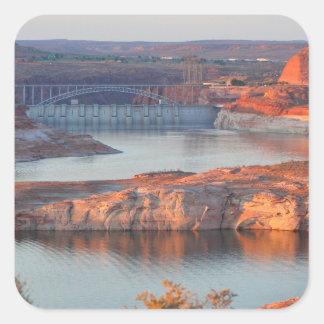 Adesivo Quadrado Represa e ponte no nascer do sol