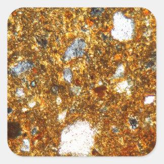 Adesivo Quadrado Seção fina de um tijolo sob o microscópio