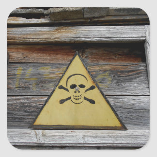 Adesivo Quadrado Sinal do perigo do vintage na madeira rústica