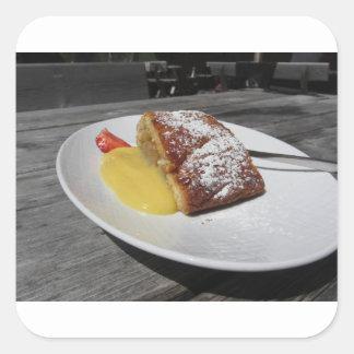 Adesivo Quadrado Strudel de maçã deliciosa com creme da baunilha