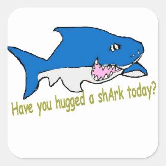 Adesivo Quadrado Tem você sitckers abraçados de um tubarão hoje