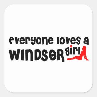Adesivo Quadrado Todos ama uma menina de Windsor
