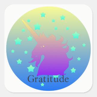 Adesivo Quadrado Unicórnio de Ombre com gratitude da palavra