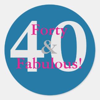 Adesivo Redondo 40 & fabuloso! Rosa azul & quente do aniversário